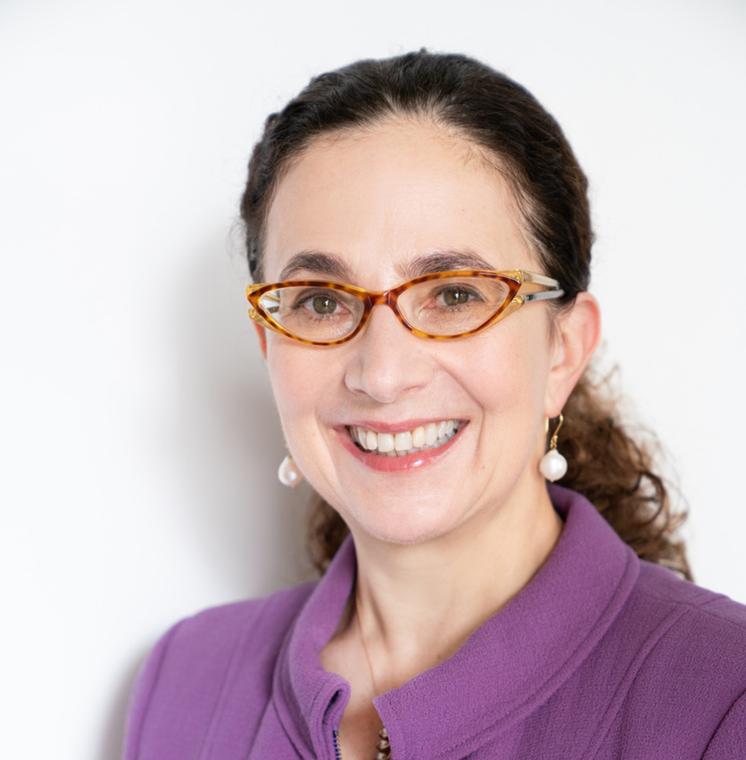 Christina L. Ahmadjian 講師